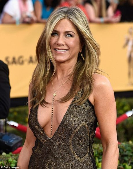 Long Hairstyle with Highlights For Women over 40